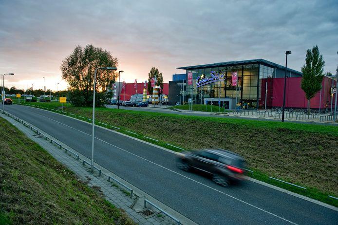 De bioscoop aan de amusementsboulevard, met toen nog Cinestar op de gevel.