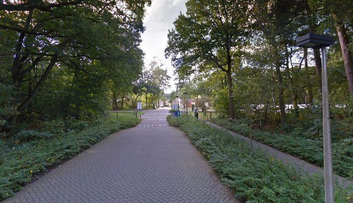 De ingang van het terrein van Nieuwenoord in Baarn