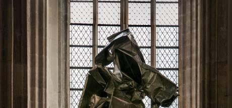 Kerkenraad wil dat beeld verwijderd wordt uit Utrechtse Domkerk: 'Wij bepalen wat er in de kerk staat'