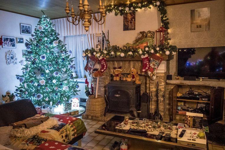 Ook in de woonkamer heerst de kerstsfeer.