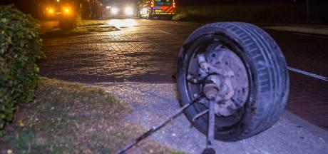 Auto's botsen tegen elkaar in Nijnsel, geen gewonden