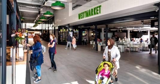 De pas geopende Westmarket aan het Osdorpplein, de voormalige Shopperade