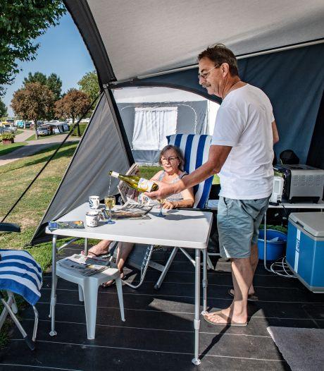 Zelfs in nazomer topdrukte op de camping dankzij pensionado's: 'Voor het eerst in jaren niet naar Engeland'