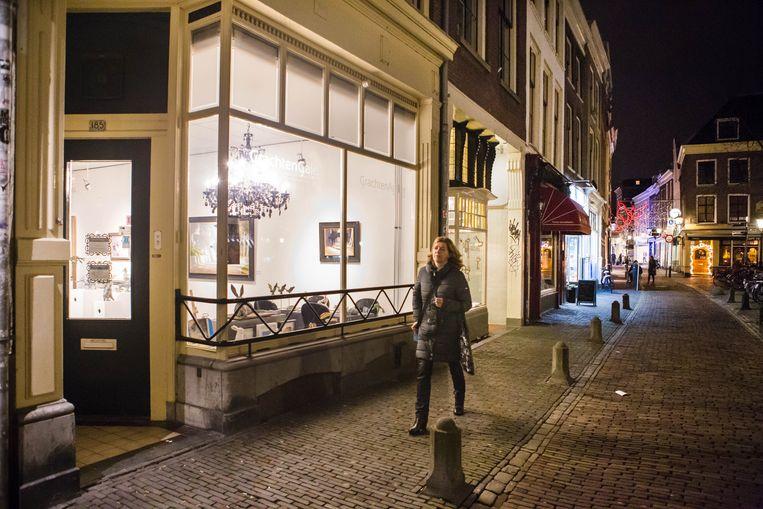 Galeries en koffietentjes nemen de plaats in van winkeltjes in het centrum van Utrecht. Beeld Cigdem Yuksel