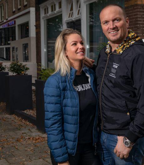 Apeldoornse volkszanger Frank Van Etten vroeg haar en Melanie Weber zei 'JA!'