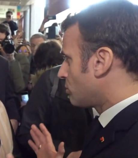 """""""Ça va mal finir"""": vive passe d'armes entre Macron et une gilet jaune, Eric Drouet interpellé"""