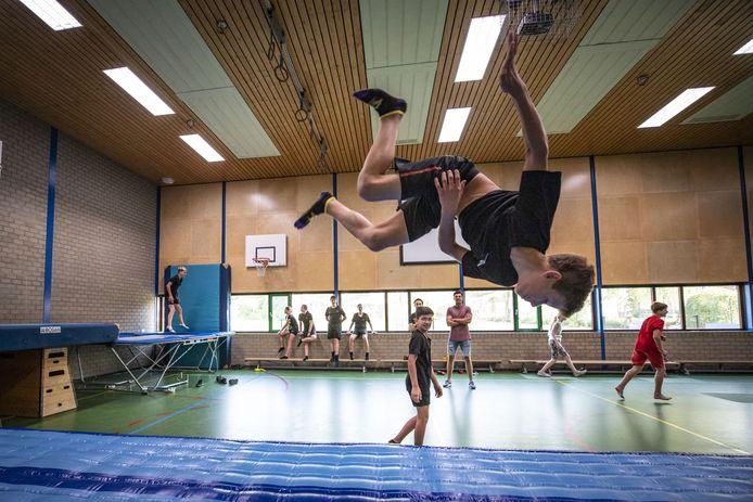 Je heerlijk uitleven in de gymzaal of creatief bezig zijn in het handvaardigheidslokaal, voor de leerlingen van de locatie Potskampstraat die meedoen aan 'Actief na school' is veel mogelijk.
