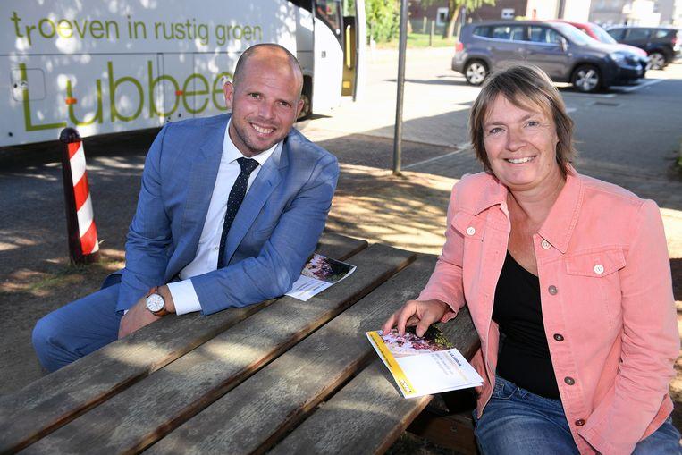 Theo Francken (N-VA) - hier met Tania Roskams - wil onder meer investeren in een nieuwe school.