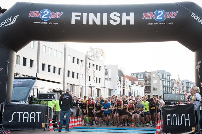 Start en finish Bruggenloop 2017. Dit jaar is de start niet op de Waalkade maar op de Grote Markt.