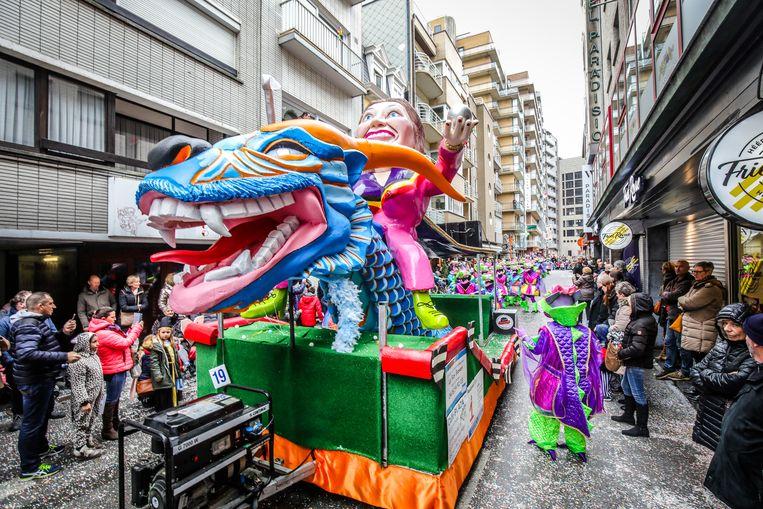 De Blauwe Draak.In Beeld Geen Taboes Op Carnaval Lachen Met Stadsbestuur