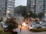 Gemaskerde jongeren vernielen 88 auto's in Zweden