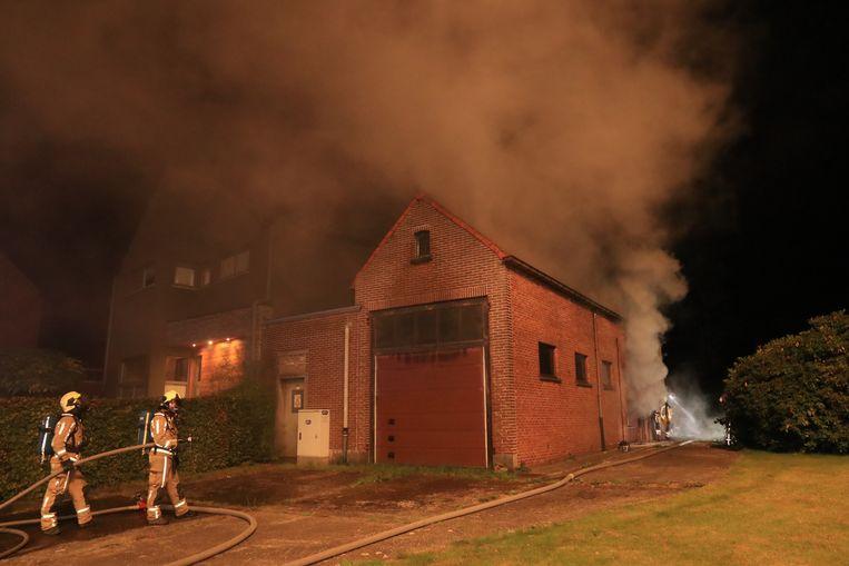In de nacht van maandag 8 op dinsdag 9 oktober werd er brand gesticht in een atelier naast een leegstaande woning in de Kapelstraat.