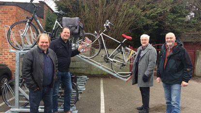 Nieuwe fietsenstalling voor 24 fietsen aan station