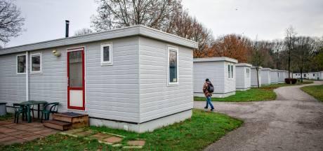 Zestien mensen verblijven illegaal op vakantiepark Droomgaard in Kaatsheuvel, gemeente spreekt van 'permanente bewoning'