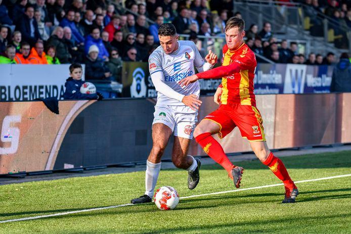 Reda Kharchouch namens Telstar in duel met Sam Beukema van Go Ahead Eagles tijdens de editie van 2019.