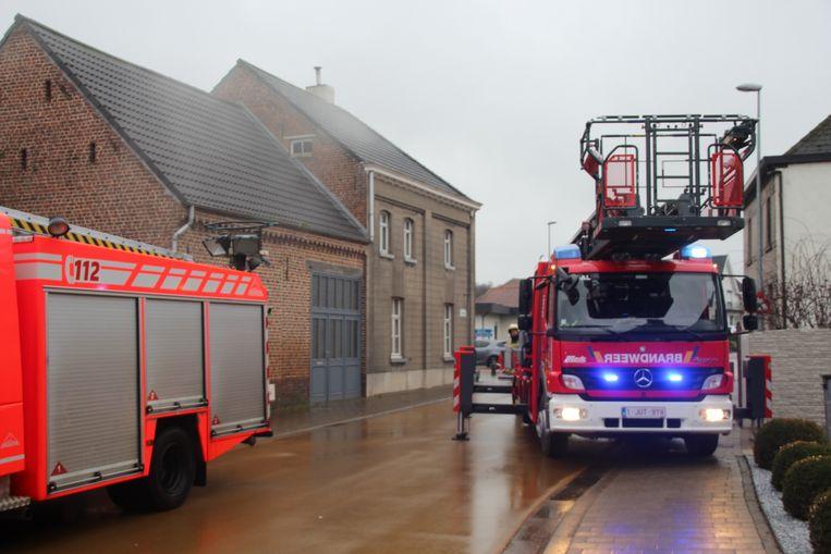 De brandweer kwam met verschillende wagens ter plaatse.