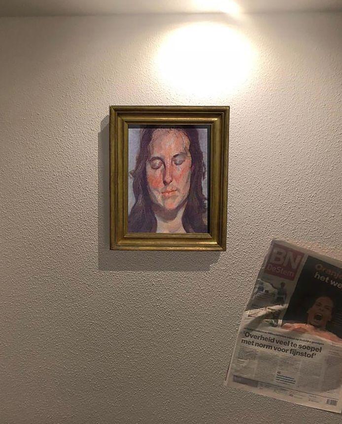 Een van de werken die in 2012 werden gestolen uit de Kunsthal in Rotterdam is niet verbrand en hangt gewoon aan de muur 'ergens in Nederland of België'.