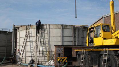 Duo gewond na val van zes meter in silo