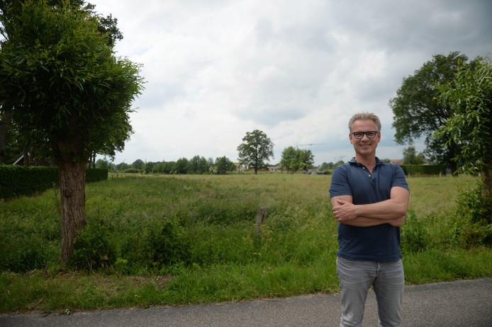 Maik Nieuwenhuis kan nu nog lachen en kilometers ver kijken. Als de herverkaveling doorgaat niet meer.