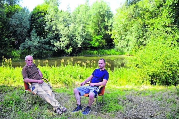 Theo Hubers (links) in Park Holthuizen. Foto Mariska Hofman