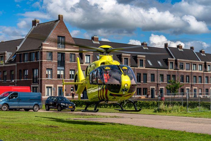 Een fietser kwam ongelukkig ten val in Geertruidenberg. Ook een traumahelikopter was opgeroepen.
