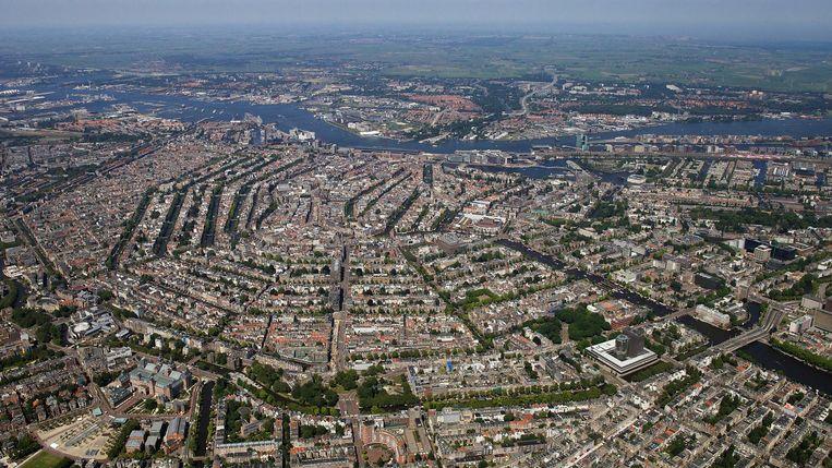 Amsterdam van boven Beeld Peter Elenbaas