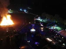 Het paasvuur komt in Zieuwent uit de kerk, Meddo heeft vuurwerk
