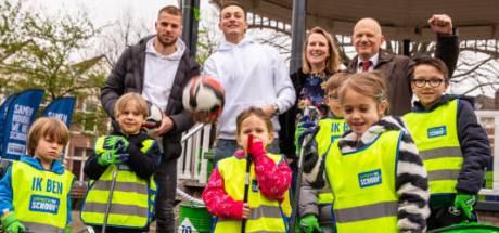 Vrijwilligers vullen honderden vuilniszakken met zwerfafval in Oost-Nederland