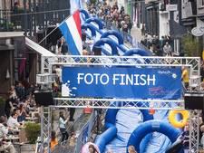 In vliegende vaart de trap af glijden in Nijmegen