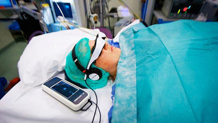 Wie geopereerd wordt in het AMC kan een film kijken in bioscoopformaat Beeld Mark van den Brink