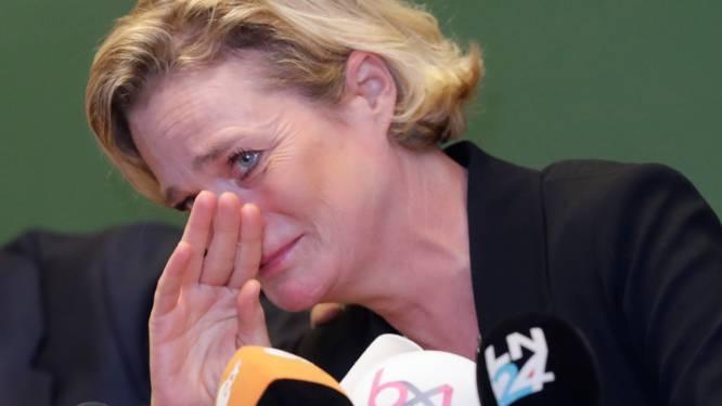 REPORTAGE. Een lach en een traan: in een kille aula kwam de nieuwe prinses haar tas 'emotionele bagage' achterlaten