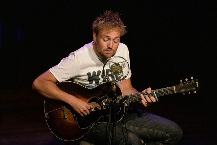 Singer-songwriter Tim Knol opent op 17 juli het speciale zomerseizoen Kersouwe Klein in Heeswijk-Dinther.