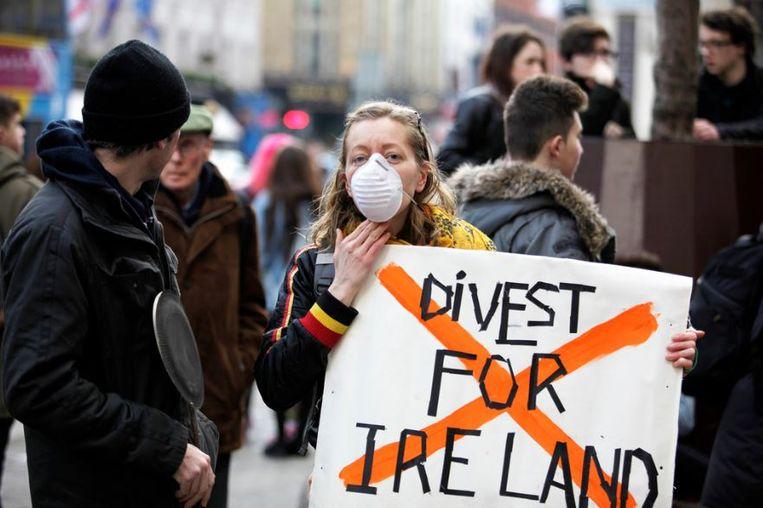 Een mars waarbij geprotesteerd wordt tegen de investeringen van het Ierse nationale staatsfonds in fossiele brandstoffen.