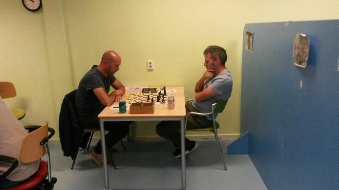 Links op de archieffoto Michiel Blok die in de strijd met UVS een hoofdrol vervulde met twee zeges op Joost Retera.