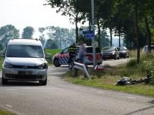 Renswoudenaar (54) zwaar gewond naar ziekenhuis na aanrijding met auto op de Langesteeg in Bennekom