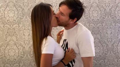 De wel erg innige kus van Lionel Messi en zijn Antonella die druk besproken wordt op sociale media