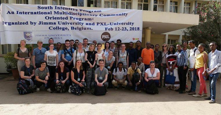 De studenten kwamen maandag veilig aan bij hun collega's in het Ethiopische Jimma. Ondertussen zitten ze vast in hun hotel.