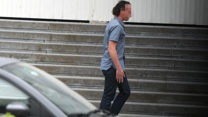 Leerkracht riskeert 40 maanden voor aanranding vijf 9-jarigen. Hij staat intussen elders voor de klas