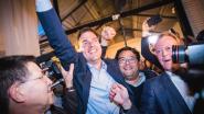 """LIVE. Iedereen aan zet in Gent: """"Nee, wij nodigen júllie uit"""", Bart De Wever praat met Peeters en Van Besien, """"Geen Hitlergroet, wel """"'t is stil aan de overkant"""""""
