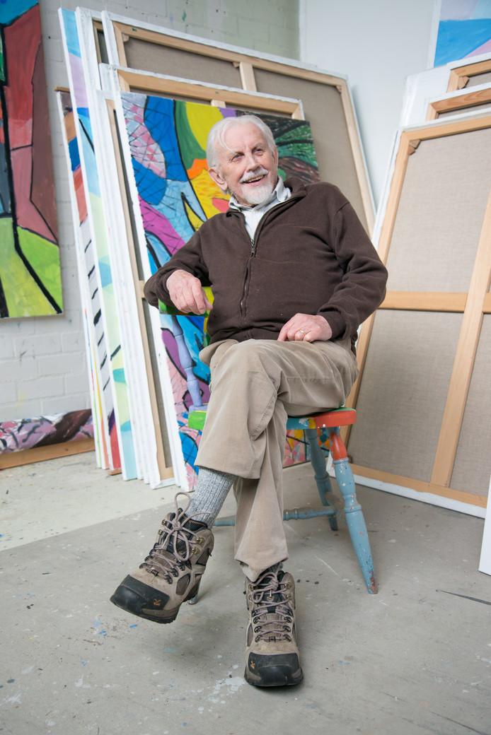Jean Nies in zijn atelier in Eersel.