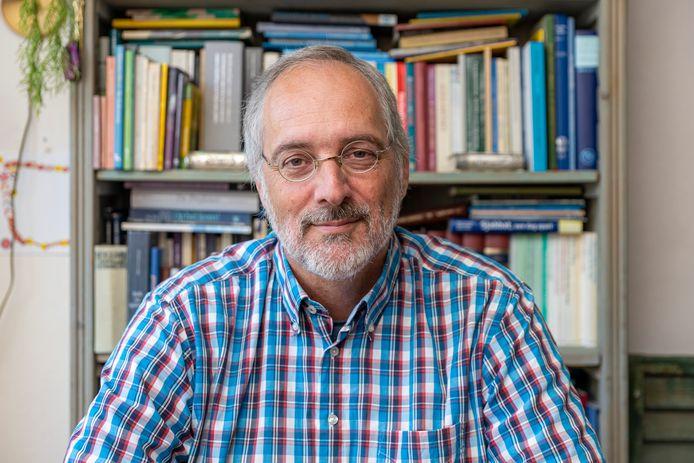 Jan Kouwen in Zierikzee promoveerde op een proefschrift over Joods leven op Schouwen-Duiveland in de 19e eeuw.