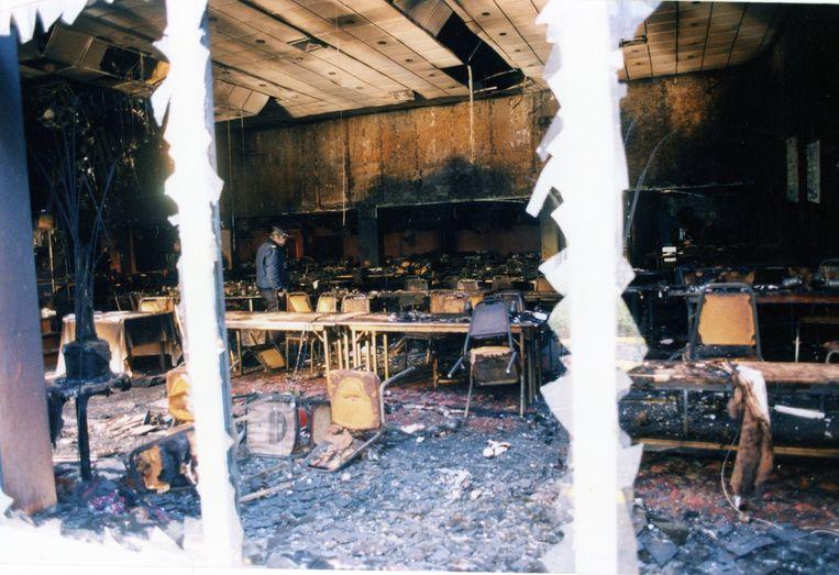 450 gasten kropen over elkaar heen om levend uit het inferno te geraken. Eindbalans: 164 zwaargewonden en 15 doden.