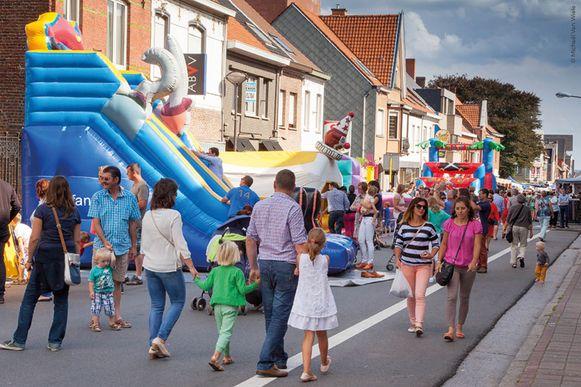 De jaarmarkt tijdens de Stationskermis bracht vorig jaar heel wat volk op de been.