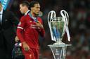 Virgil van Dijk is teleurgesteld na de verloren CL-finale met Real Madrid.