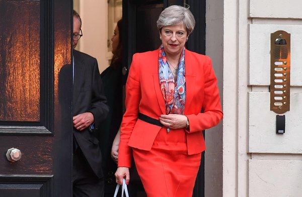 May lijkt bereid Noord-Ierland op te offeren voor de Brexit-droom