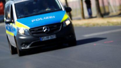 """Jongen (5) belt politie: """"jullie moeten mijn vader oppakken, hij reed twee keer door rood"""""""