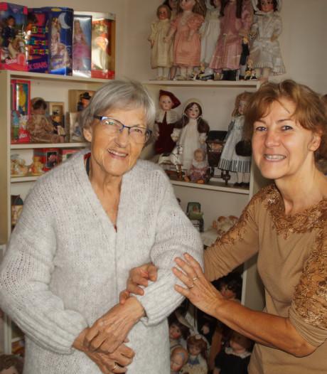 Deze bijzondere gasten ontving de poppenmaakster van Zuidland op haar verjaardag