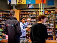 Gemist? Steeds minder plekken voor sigaretten en Nederland Pedovrij ziet af van actie