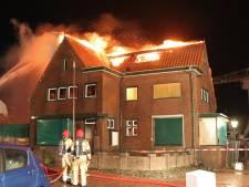 Mogelijk asbest vrijgekomen na brand oude havenmeesterswoning op Urk