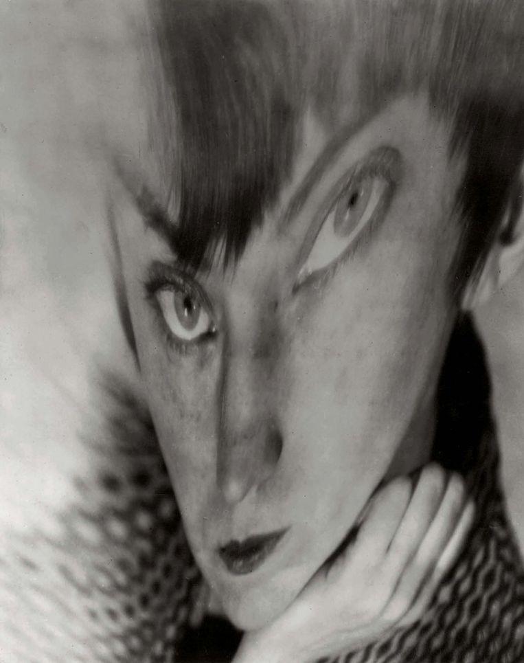 Berenice Abbott, Self Portrait, ca. 1930. Beeld © Berenice Abbott